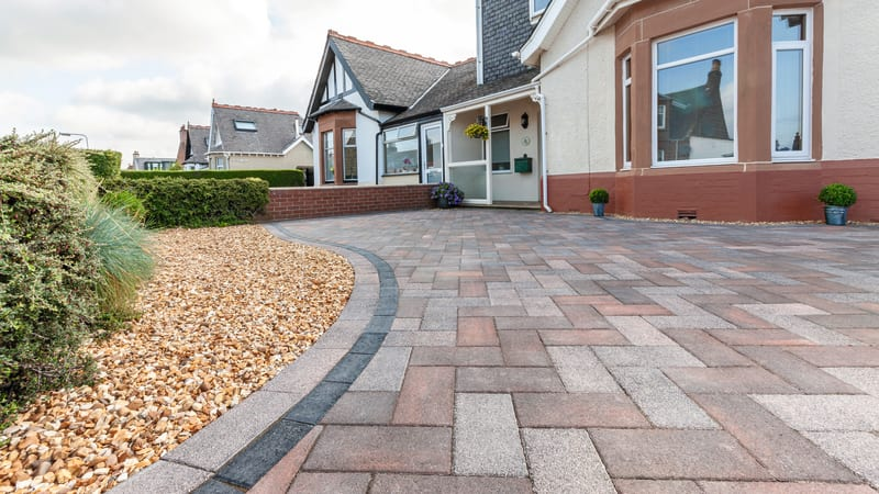 Marshalls Driveline Nova Smooth block paving in brindle and pebble grey colour