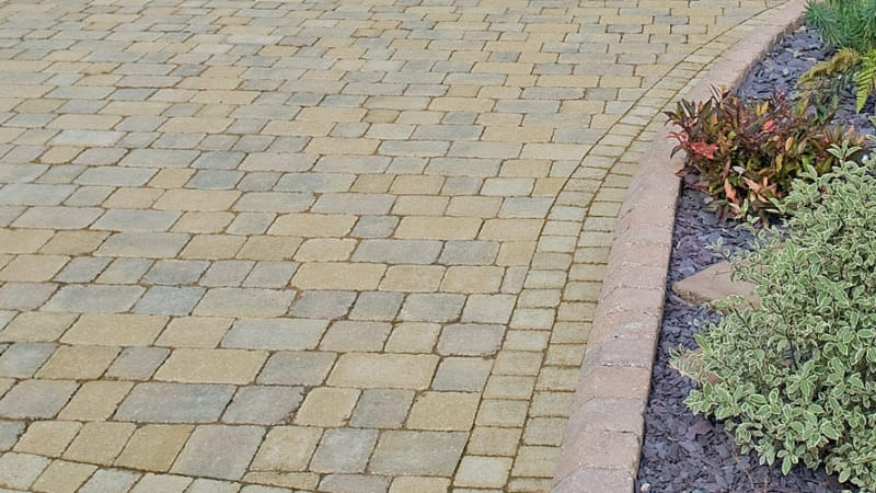 Marshalls Drivesett Deco block paving in Cotswold
