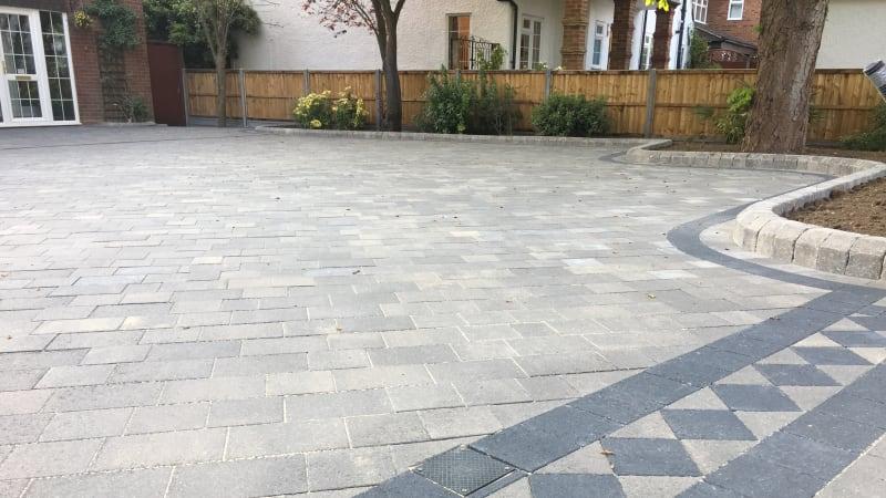 Marshalls Drivesett Savanna block paving in Grey
