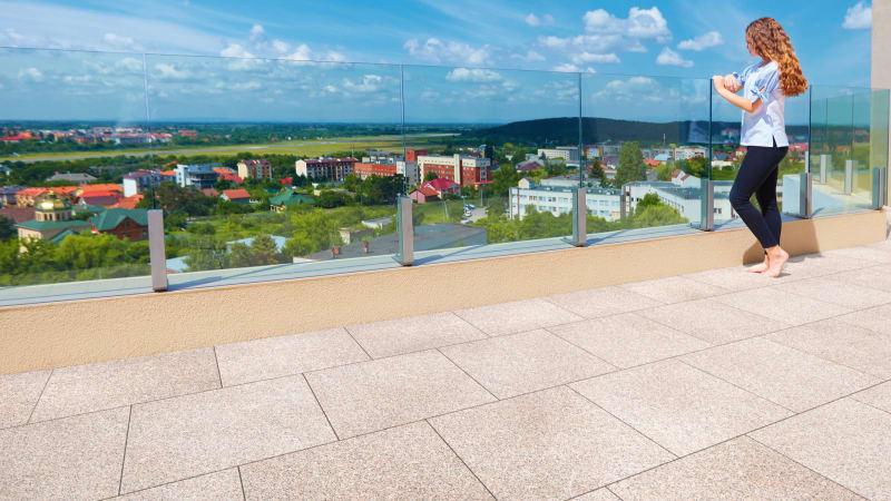 Marshalls pedestals laid on a balcony