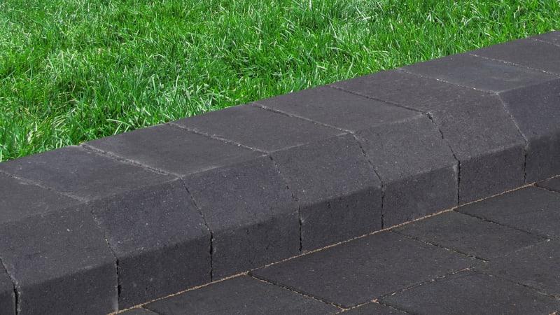 Marshalls Savanna Kerb in charcoal.
