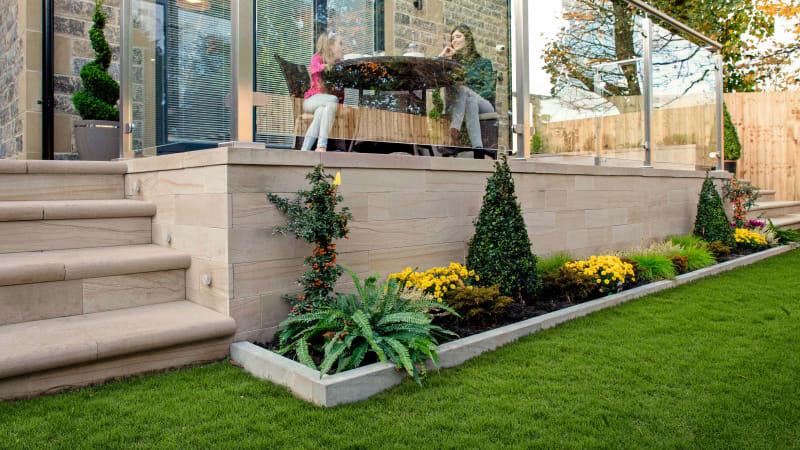 Marshalls Stoneface Sawn Veneer garden walling in Caramel Cream Multi.