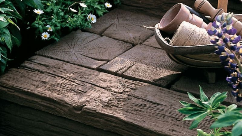 Marshalls Woodstone in Coppice Brown