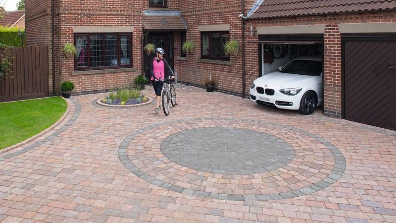Drivesett Tegula Original Circle - Traditional And Pennant Grey
