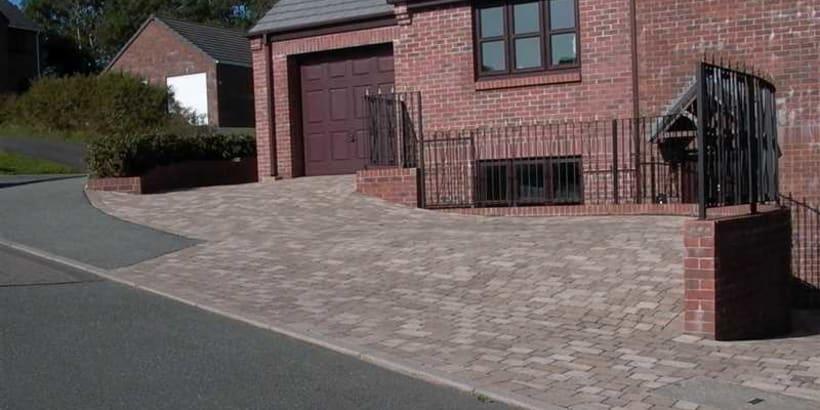 Enhanced-Driveway-Specialist-R00966_2