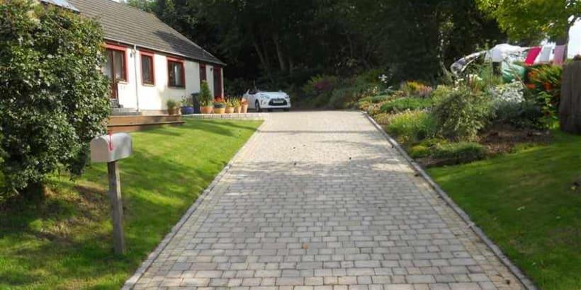 Enhanced-Driveway-Specialist-R01956_3