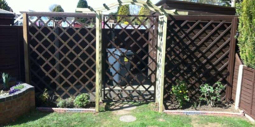 Fencing-Specialist-R02614_3