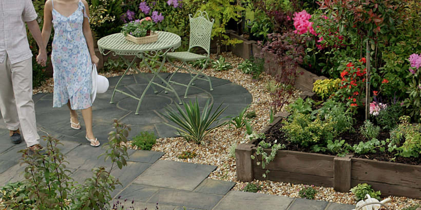 Heritage Riven Garden Circle Feature - Old Yorkstone