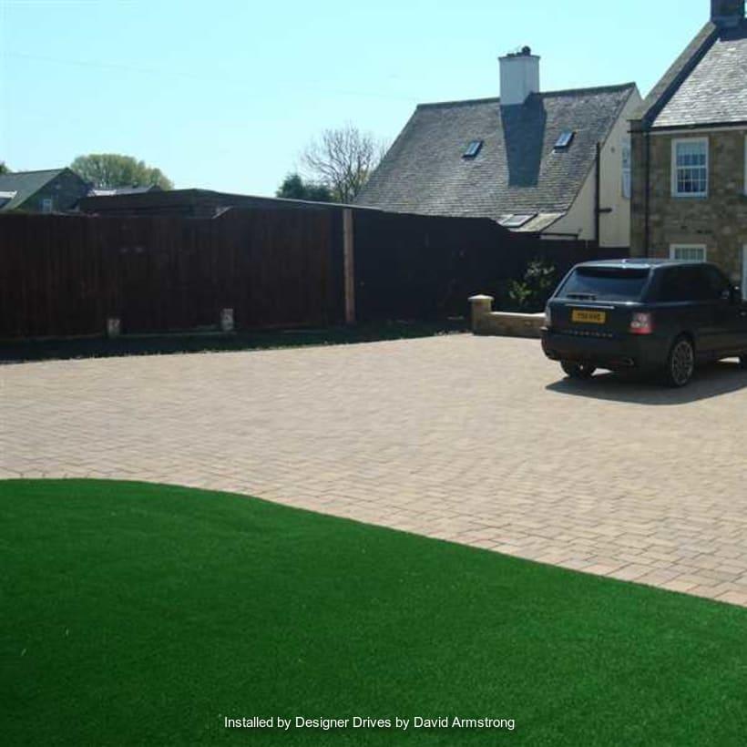 Enhanced-Driveway-Specialist-R01707_1