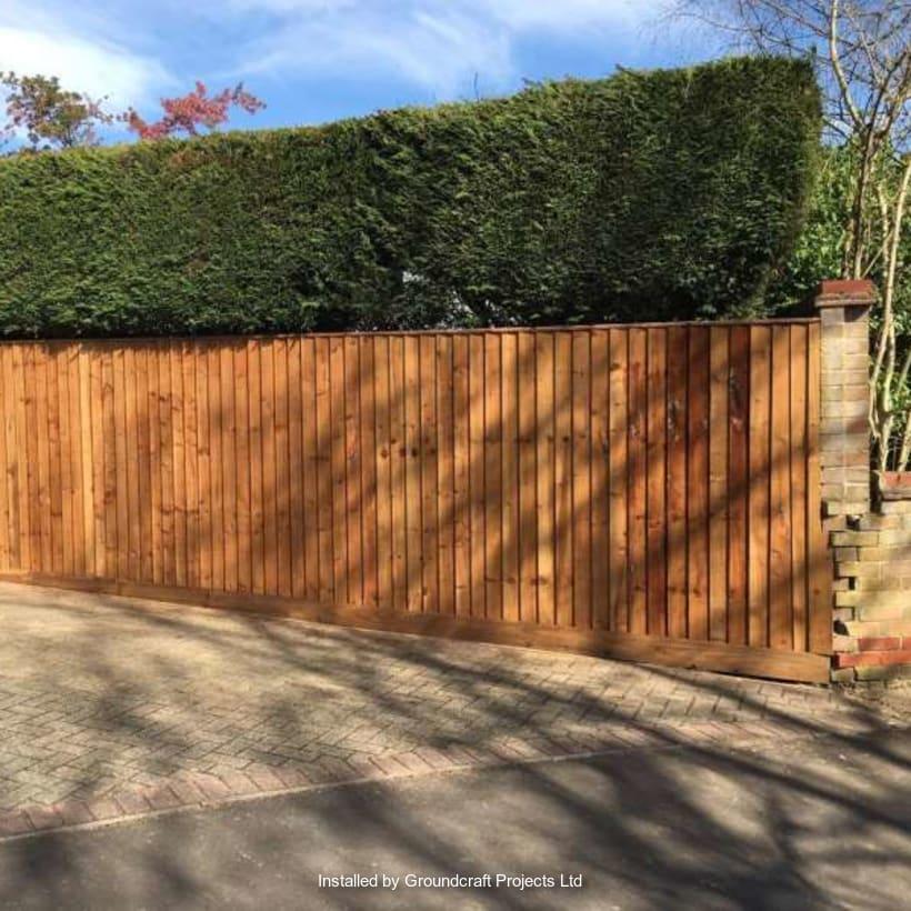 Fencing-Specialist-R03192_1