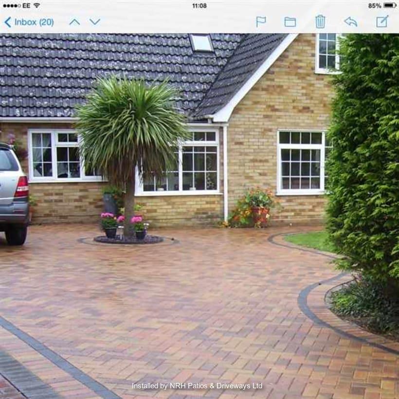 Enhanced-Driveway-Specialist-R00417_1