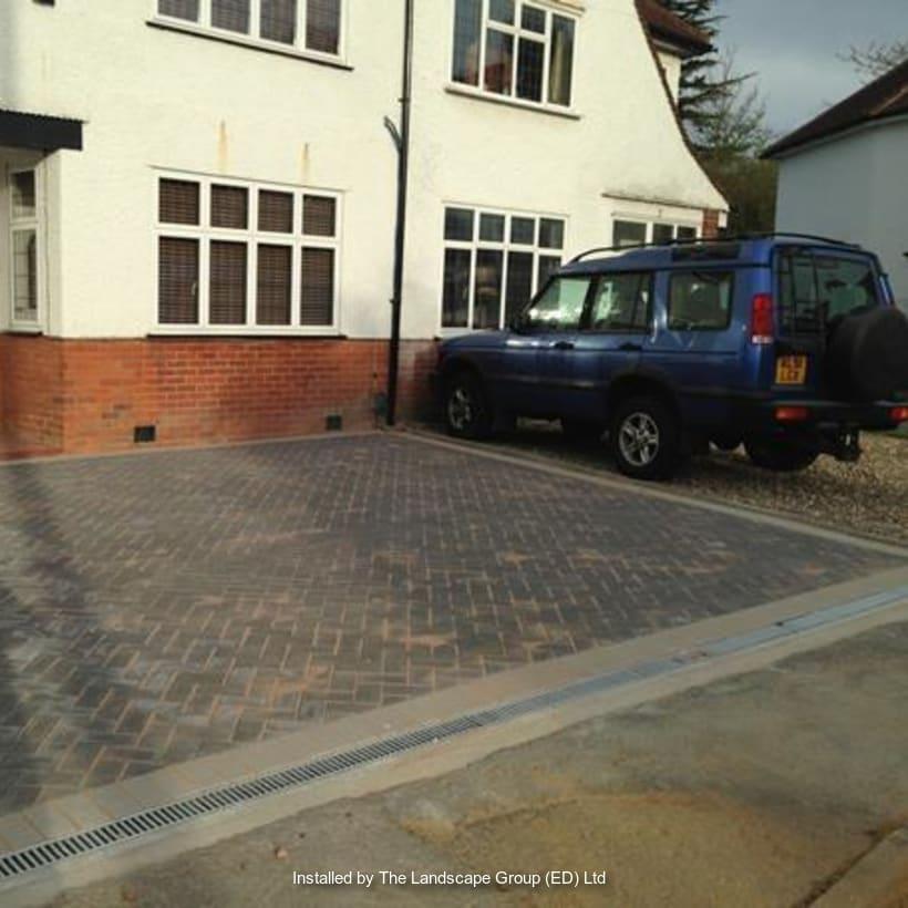 Enhanced-Driveway-Specialist-R03333_3
