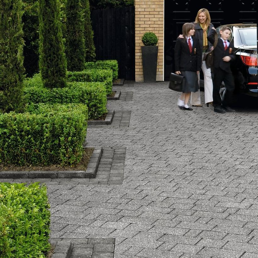 Drivesett Kerb - Pennant Grey