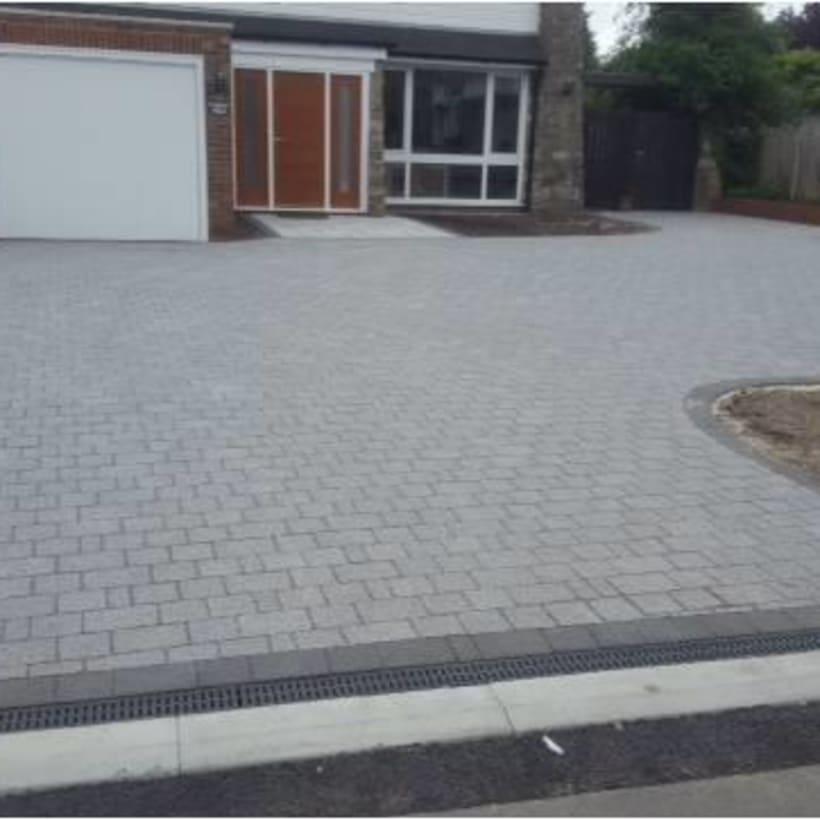 Enhanced-Driveway-Specialist-R00895_1