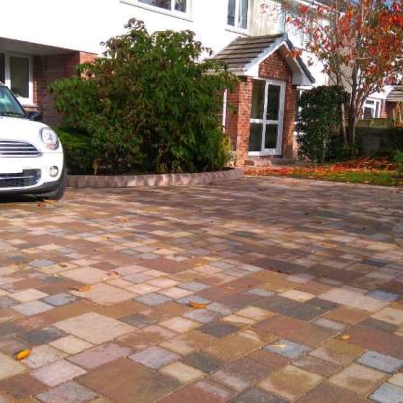 Enhanced-Driveway-Specialist-R02082_1