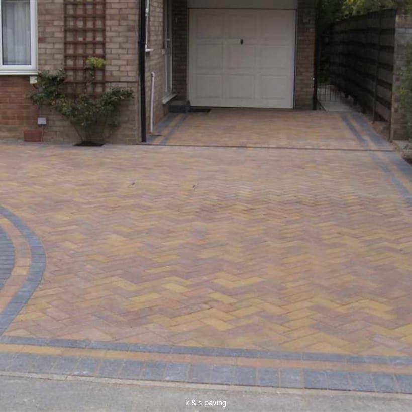 Enhanced-Driveway-Specialist-R00995_1