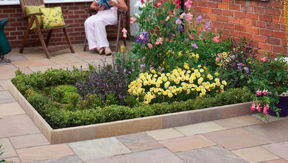 york gate garden - garden in focus