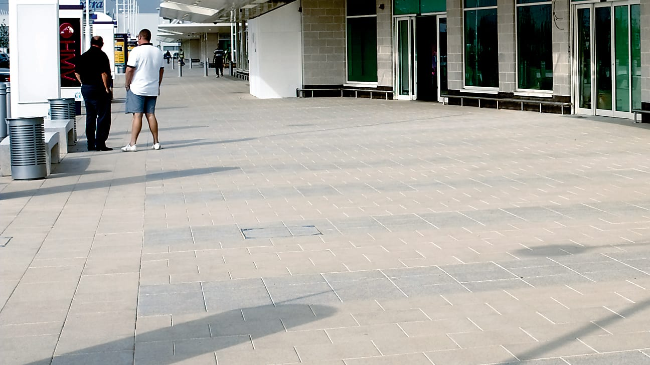 perfecta paving insitu retail park