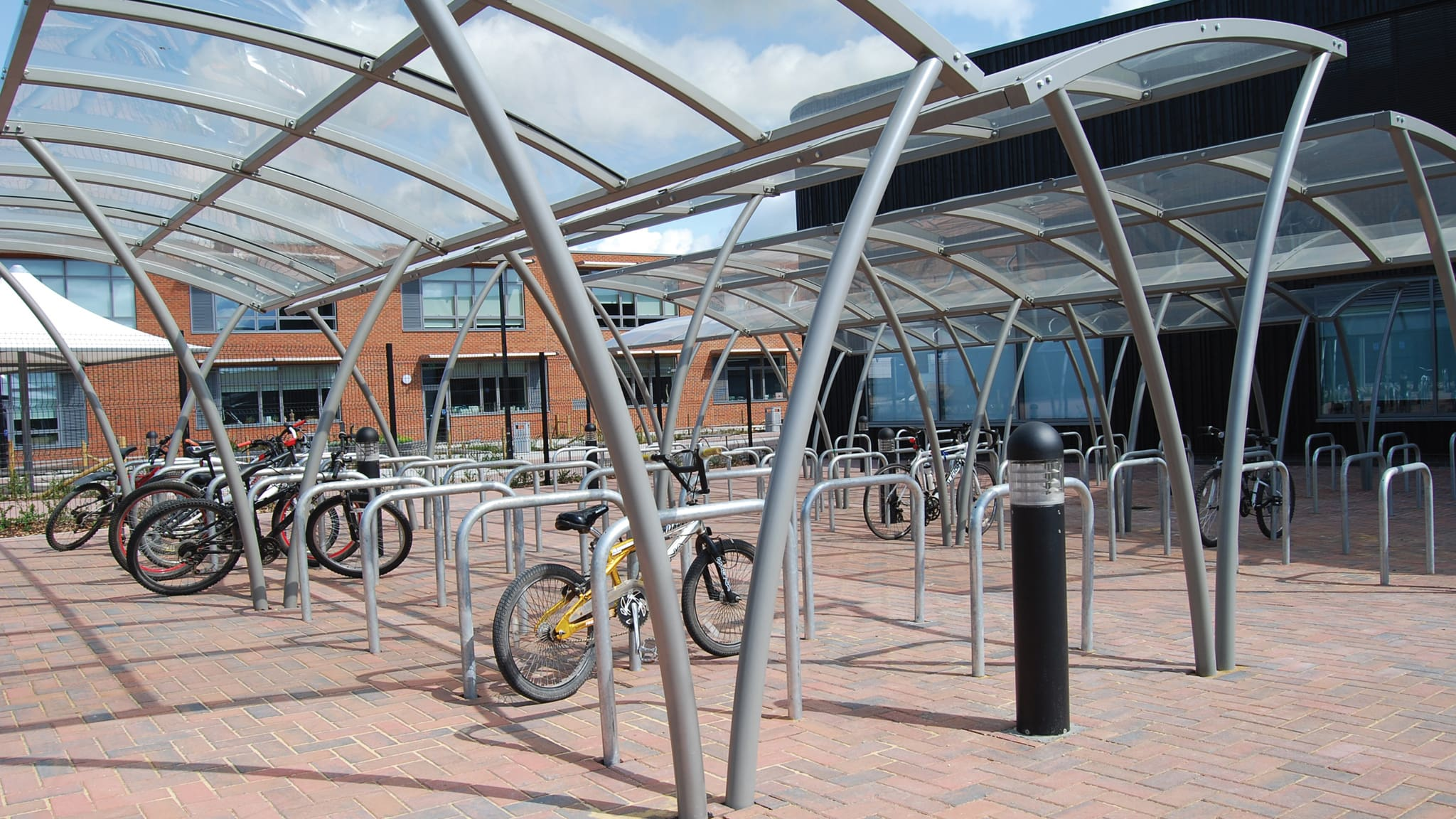 Bicycle parking structure