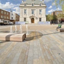 moselden and scoutmoor yorkstone - brentford market place