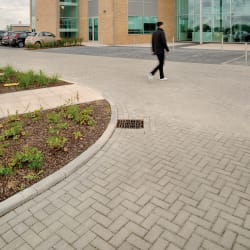 modal - saxon - keyblok paving at chesterford research park