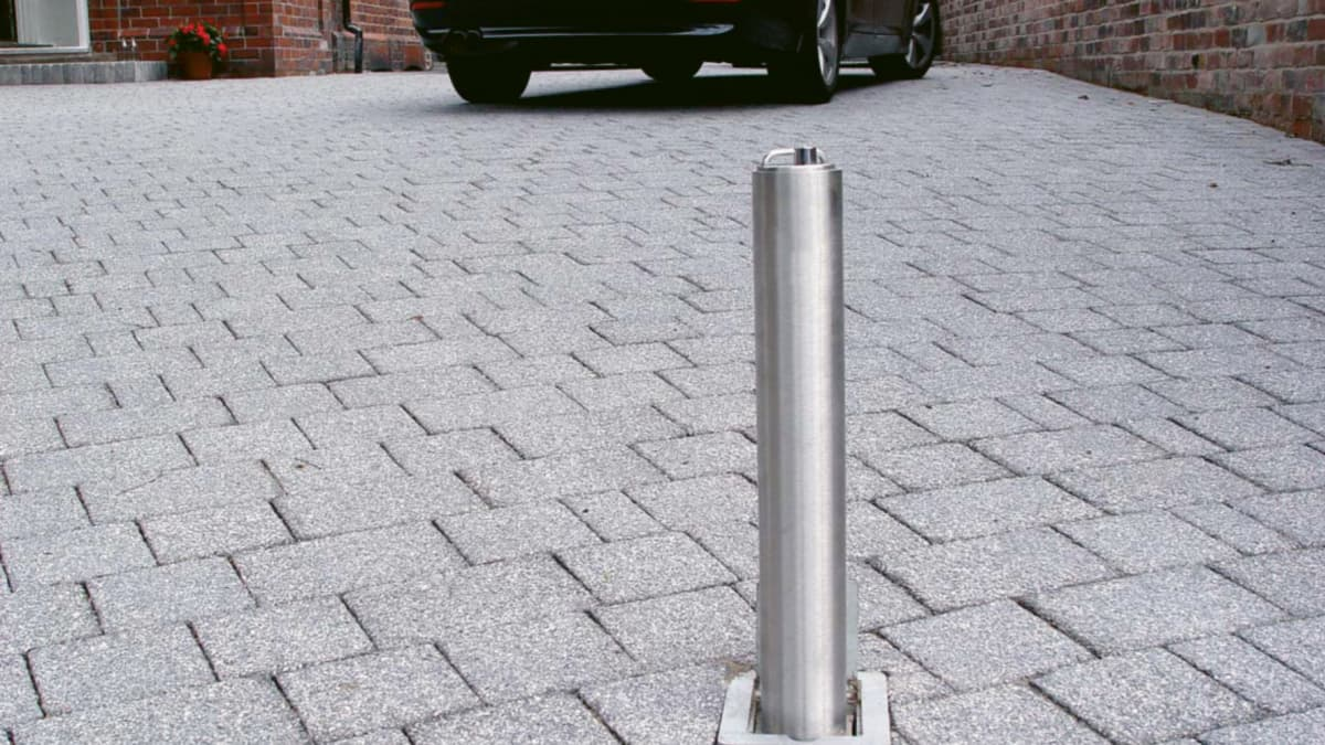 steel telescopic bollard in a drive