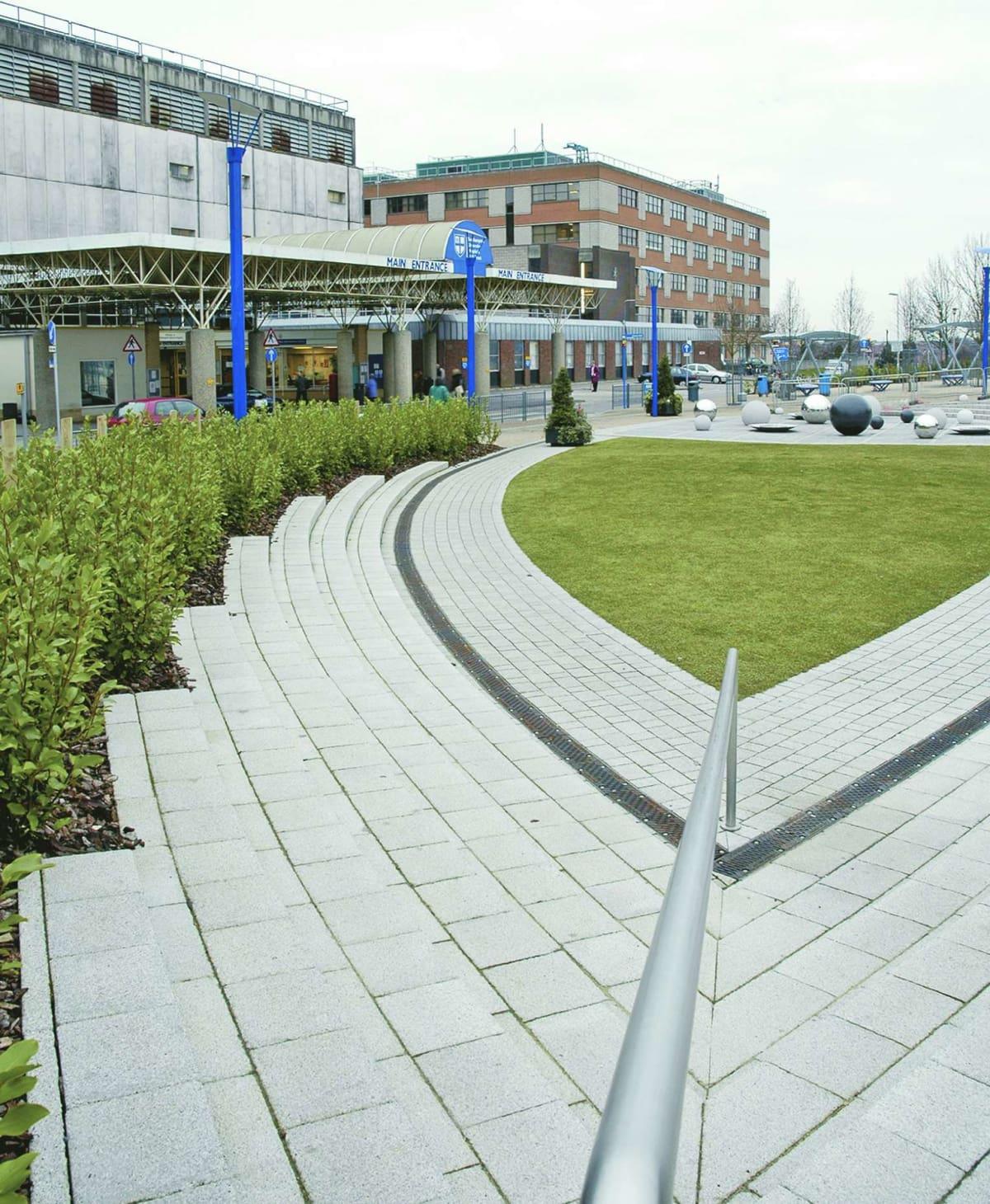 Southampton NHS General Hospital Piazza