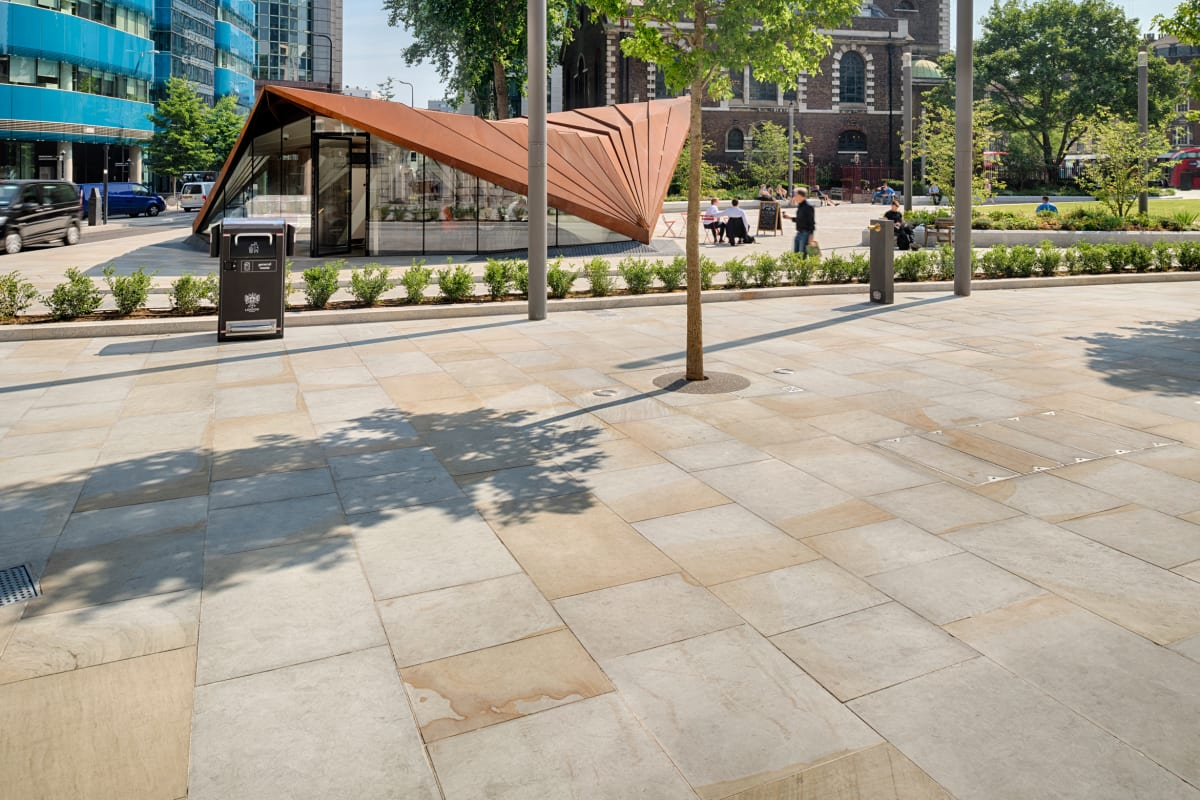 scoutmoor - aldgate square