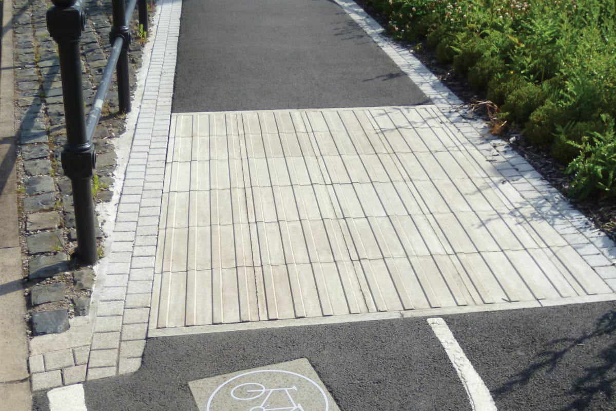 cycleway tactile paving