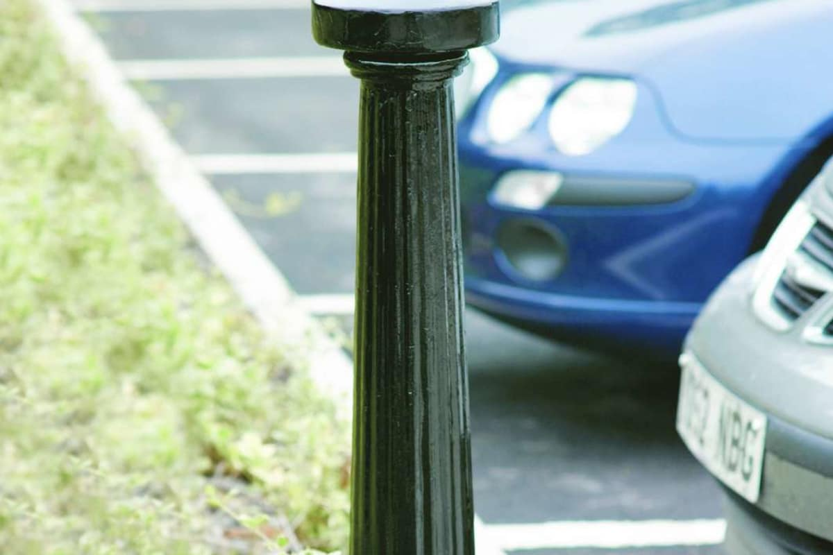 imperial msf 114 fluted with disc top cast iron bollard