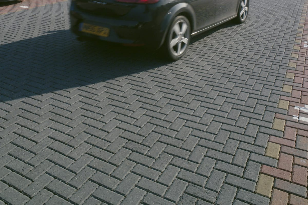 priora block paving - charcoal - exeter