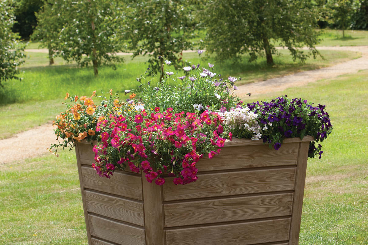 mplas newforest plastic planter in dark wood