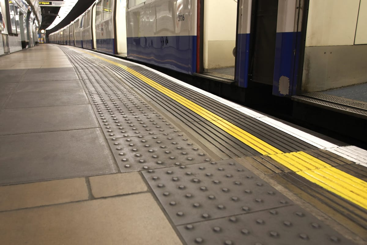 platform edge tactile paving