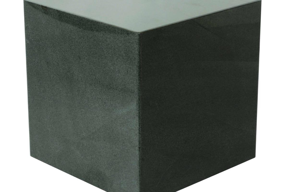 Simple 550 Cube 811