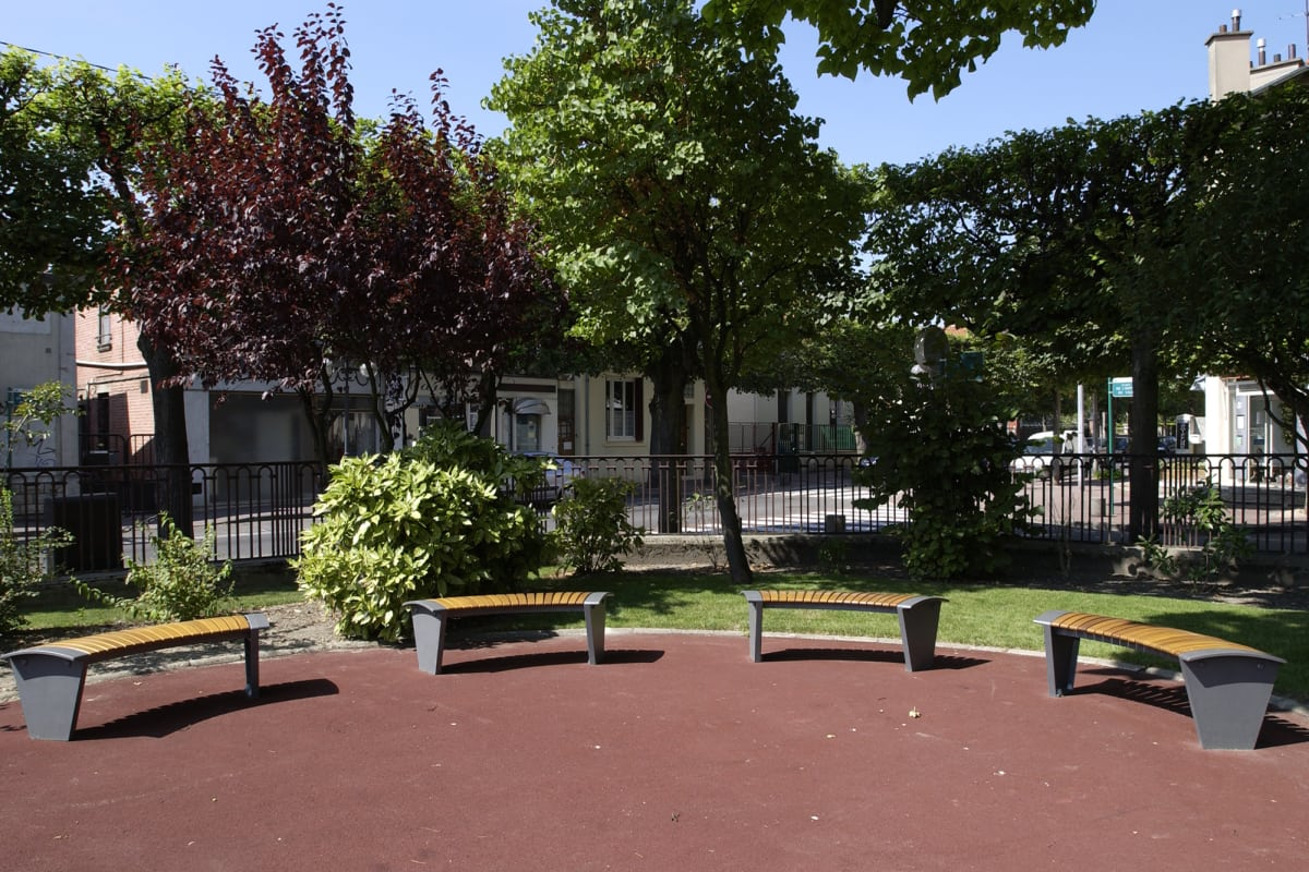 sineu graff rendezvous curved benches