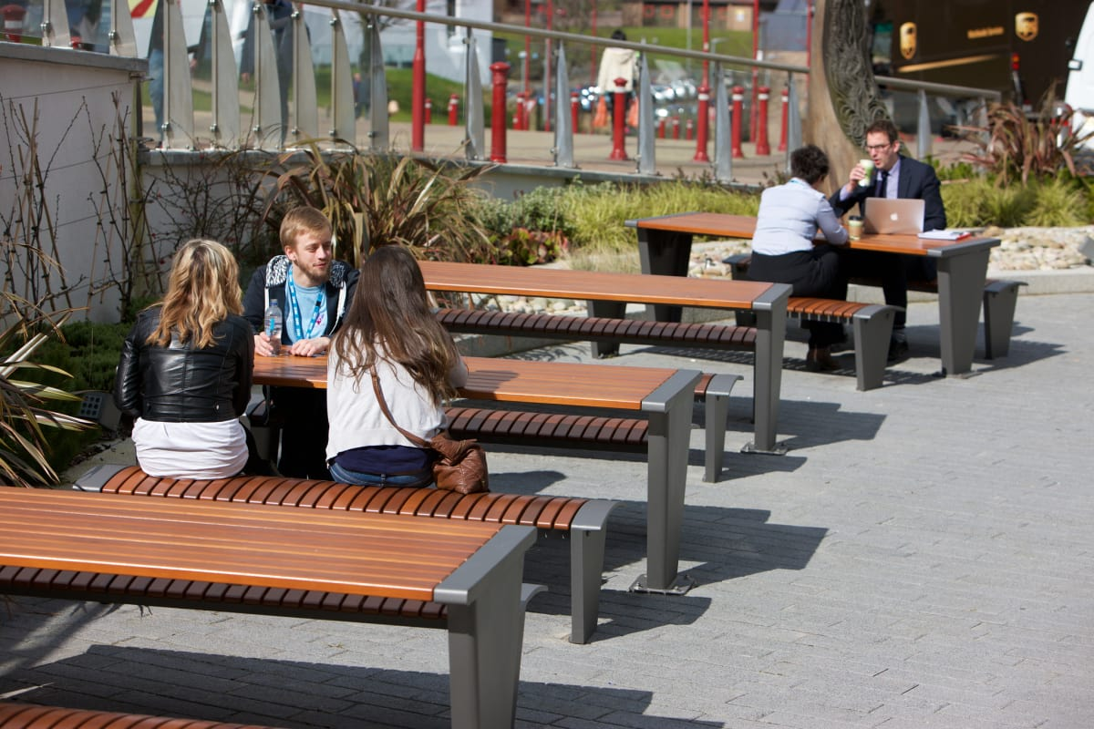 rendezvous picnic tables
