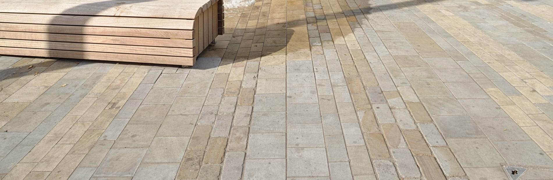 marshalls moselden and scoutmoor yorkstone at brentford market place