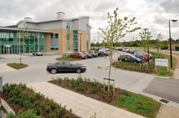 la linia - keyblok and saxon paving - chesterford research park