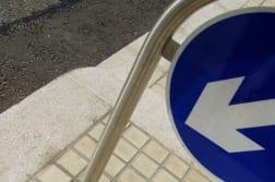 geo keep left hoop sign