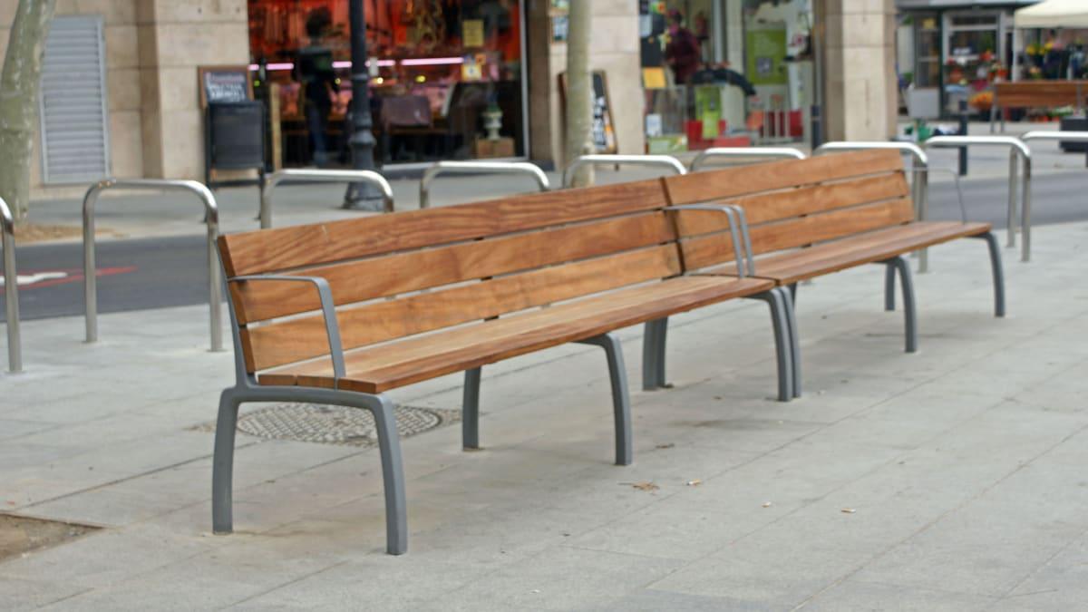 wooden kiwi seat