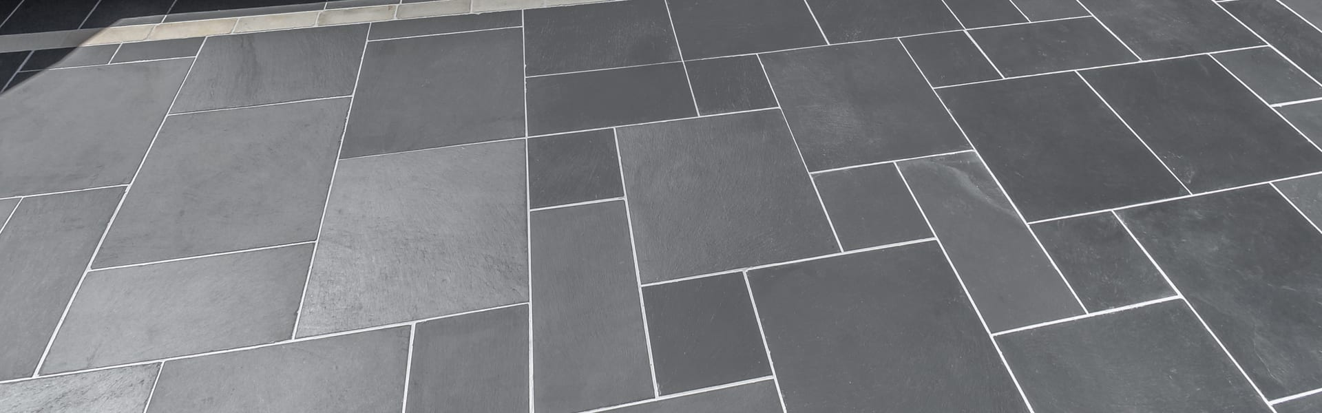 Marshalls Natural Slate Paving in blue