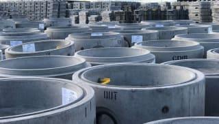 Precast concrete sealed manhole system