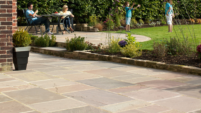 How to lay sandstone paving