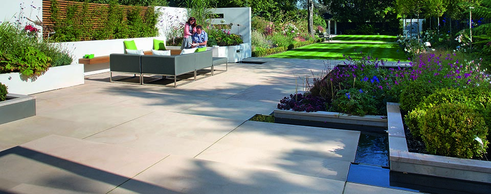 GARDEN PAVING TO MAKE YOUR NEIGHBOURS ENVIOUS