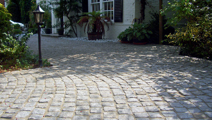HOW TO LAY CROPPED GRANITE SETTS FOR DRIVEWAYS