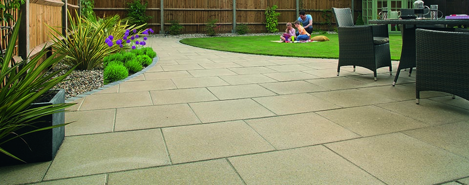 HOW TO POINT YOUR PATIO'S PAVING