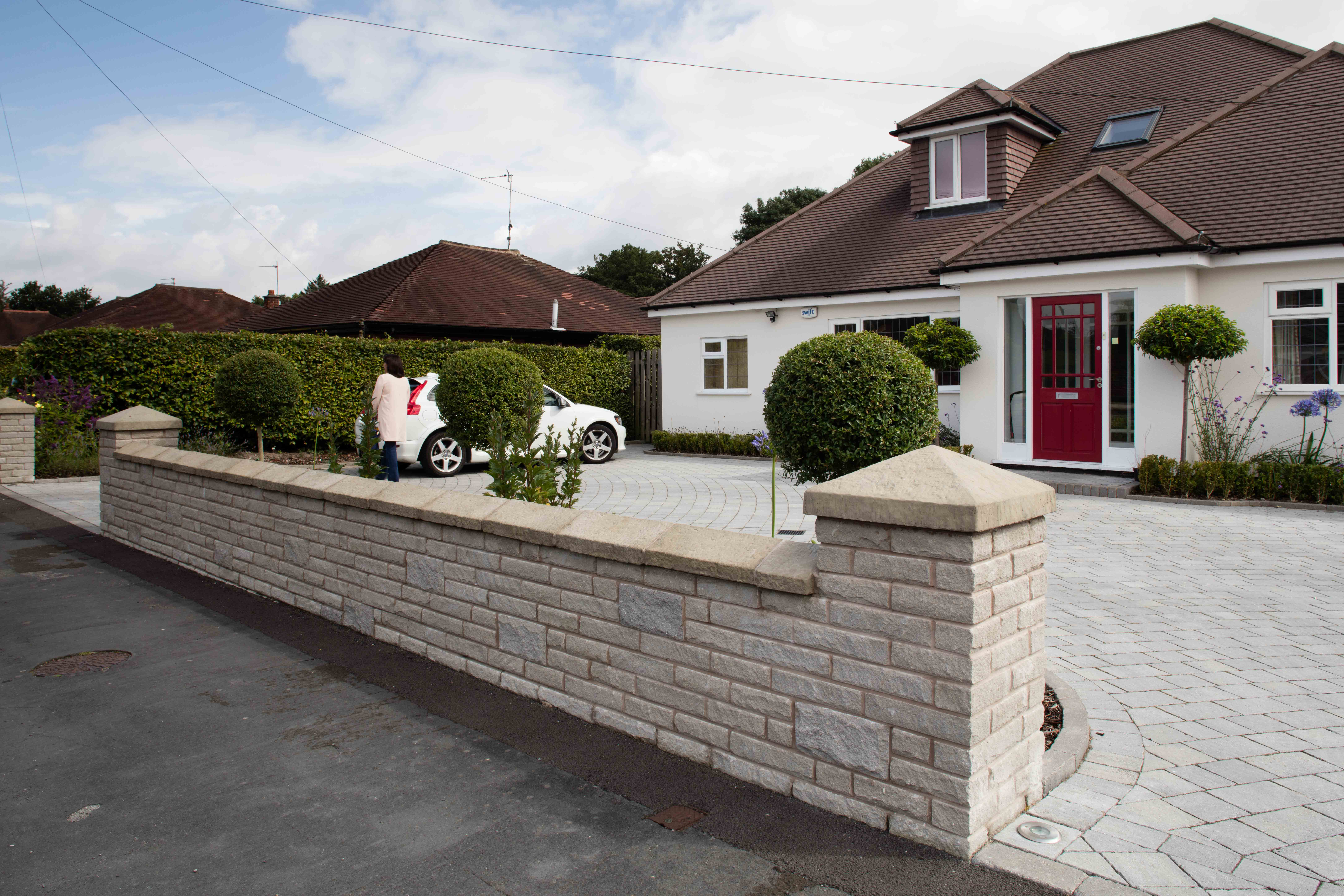 Marshalls Drivesett Tegula laid in front of a house