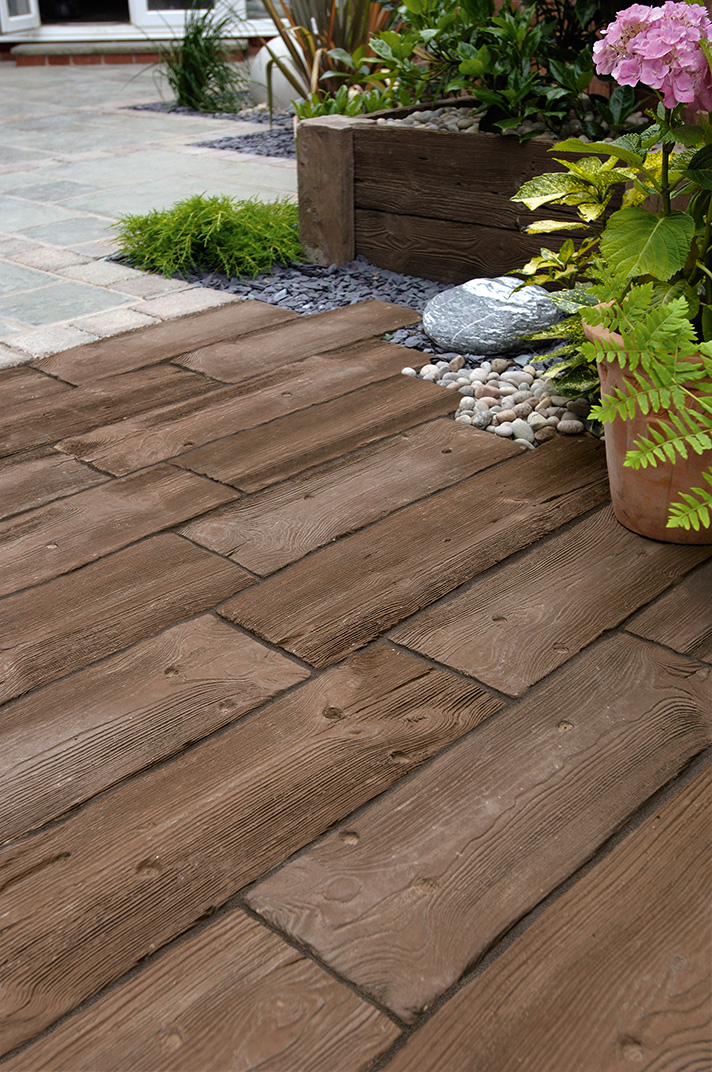 Marshalls Woodstone in Dark Brown