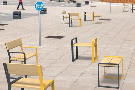 Coordinated street furniture in a pedestrian area