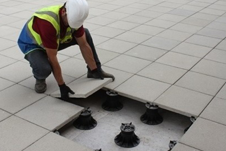 Paving pedestals for house builders